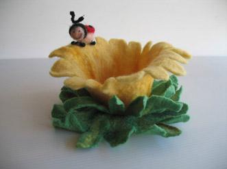 Contenitore fiore e coccinella in feltro